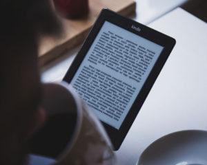 Rezensionen von Lesestoff, E-Books und Hörspielen