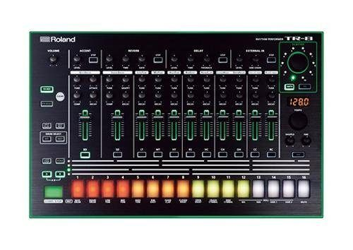 Roland Aira TR-8 Test Hardware Step-Sequencer Drumcomputer