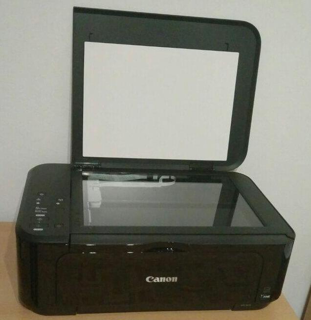 Offene Klappe im Canon Pixma MG3650 Test