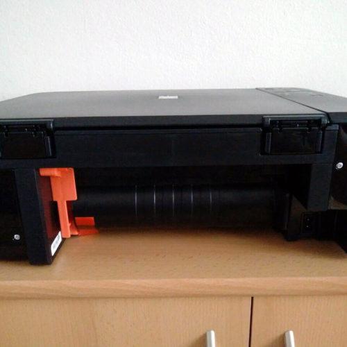 Orange Sicherheitsstifte im Canon Pixma MG3650 Test