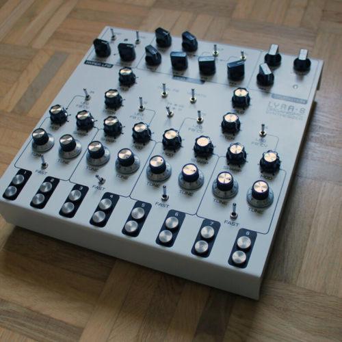 SOMA Lyra-8 Analoger Synthesizer