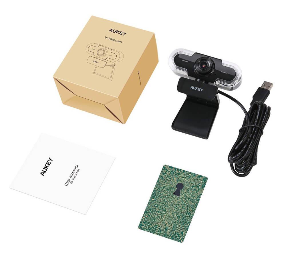 So sieht der vollständige Lieferumfang der 2K Webcam aus.