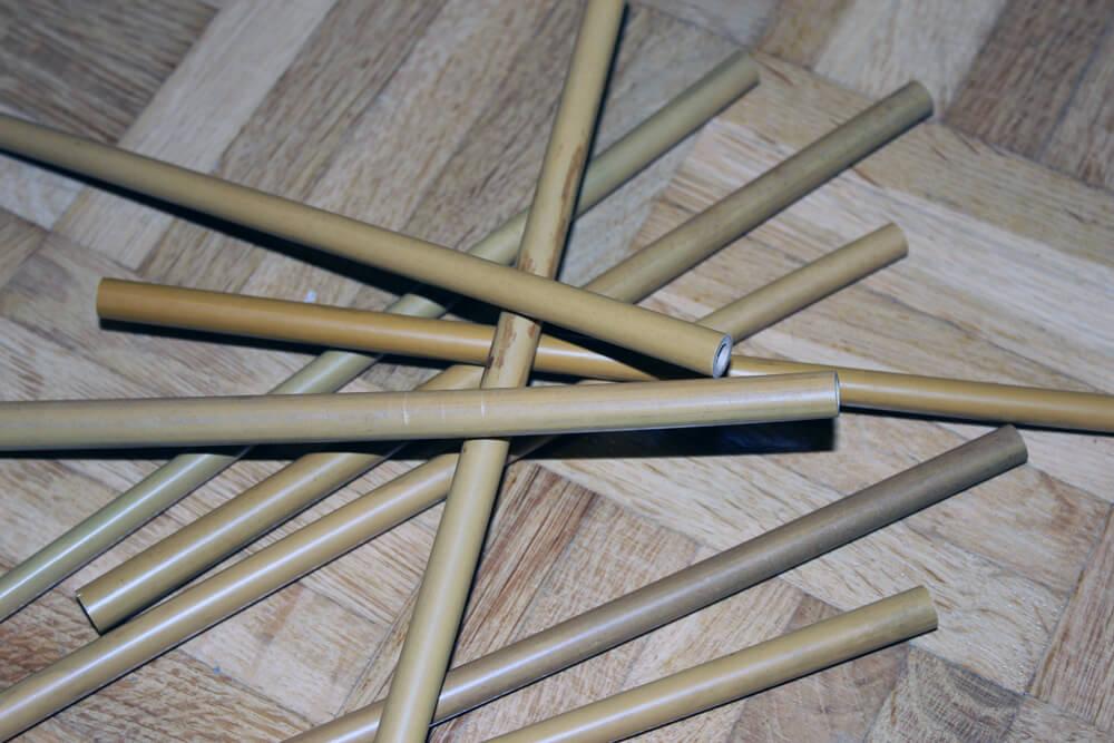 Mit den Bambus-Strohhalmen kann man sogar Mikado spielen.