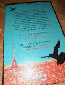 Auch optisch schräg, aber schön gestaltet: Sophie Hénaffs Das Revier der schrägen Vögel.