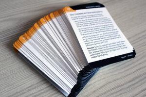 Jedes figgrs Kartenset besteht aus 50 Karten (Übungen, Anleitungen, Aktionskarten und mehr).