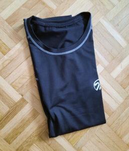 Das meeteu Sportshort bereit für den Kleiderschrank.