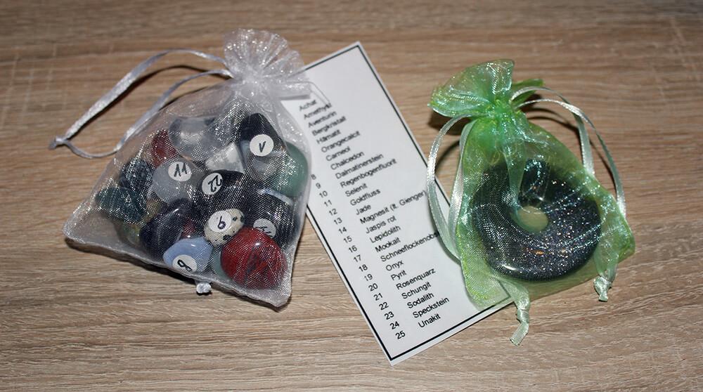 In diesen dekorativen Säckchen werden alle Steine geliefert.