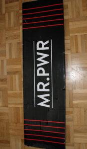 Die riijk Klimmzugstange mit dem Namen MRPWR (More Power).